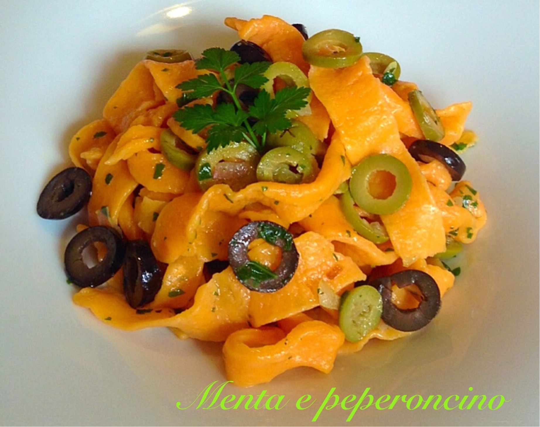Ricetta Pappardelle rosse con olive