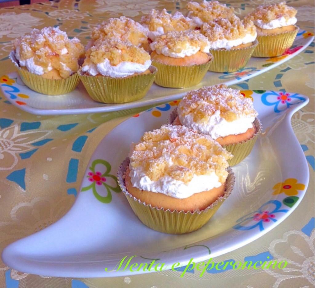 Ricette dolci per la festa della donna Ricetta Cupcake mimosa al limone con panna