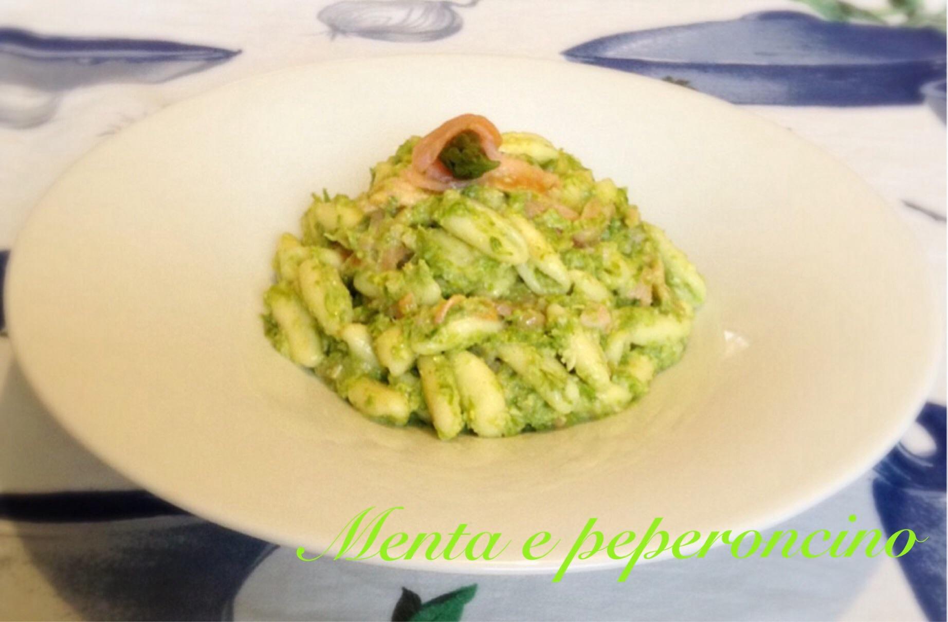 Ricetta Pasta con pesto di asparagi e salmone
