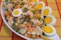 Ricca insalata di pollo Ucraina