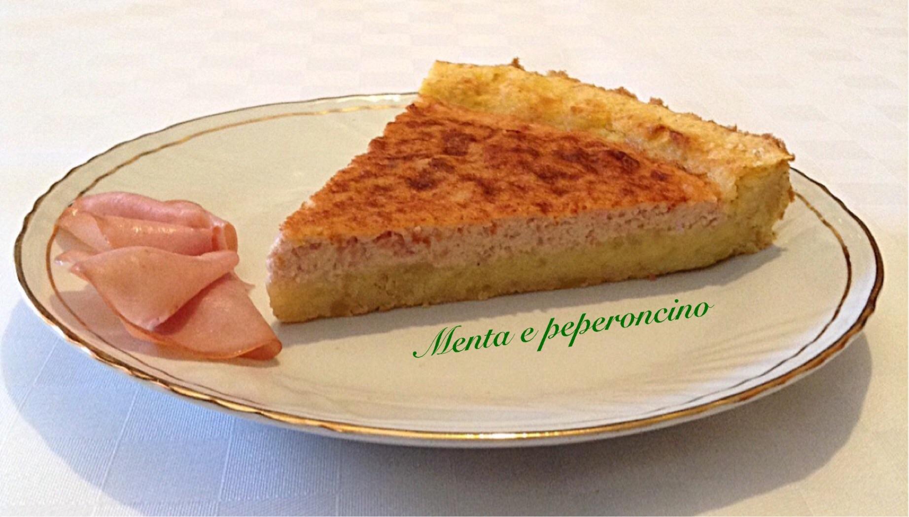 Crostata di patate con formaggio e mortadella