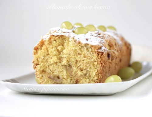 Plumcake all'uva bianca