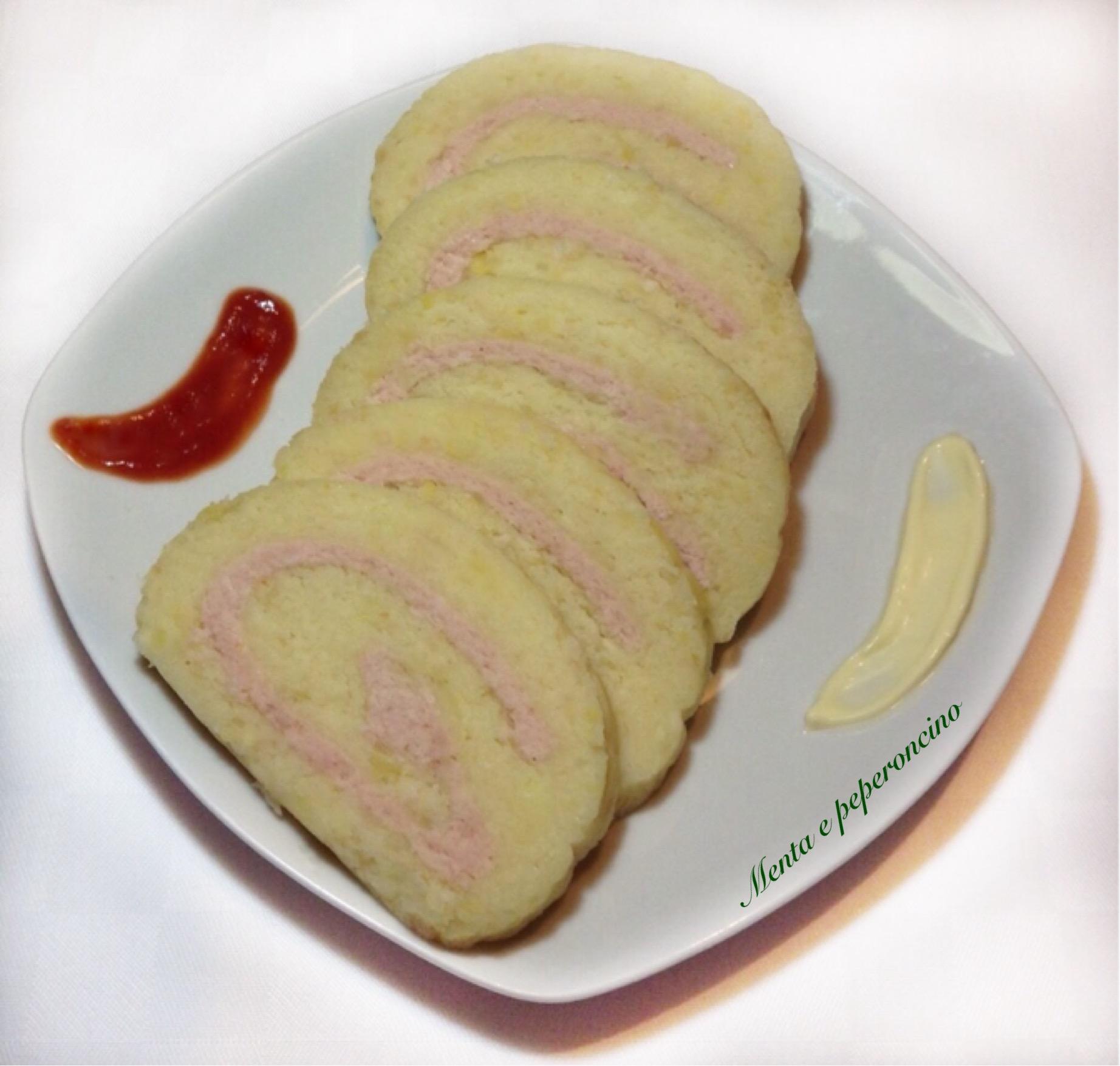 Rotolo di patate con pancetta e formaggio