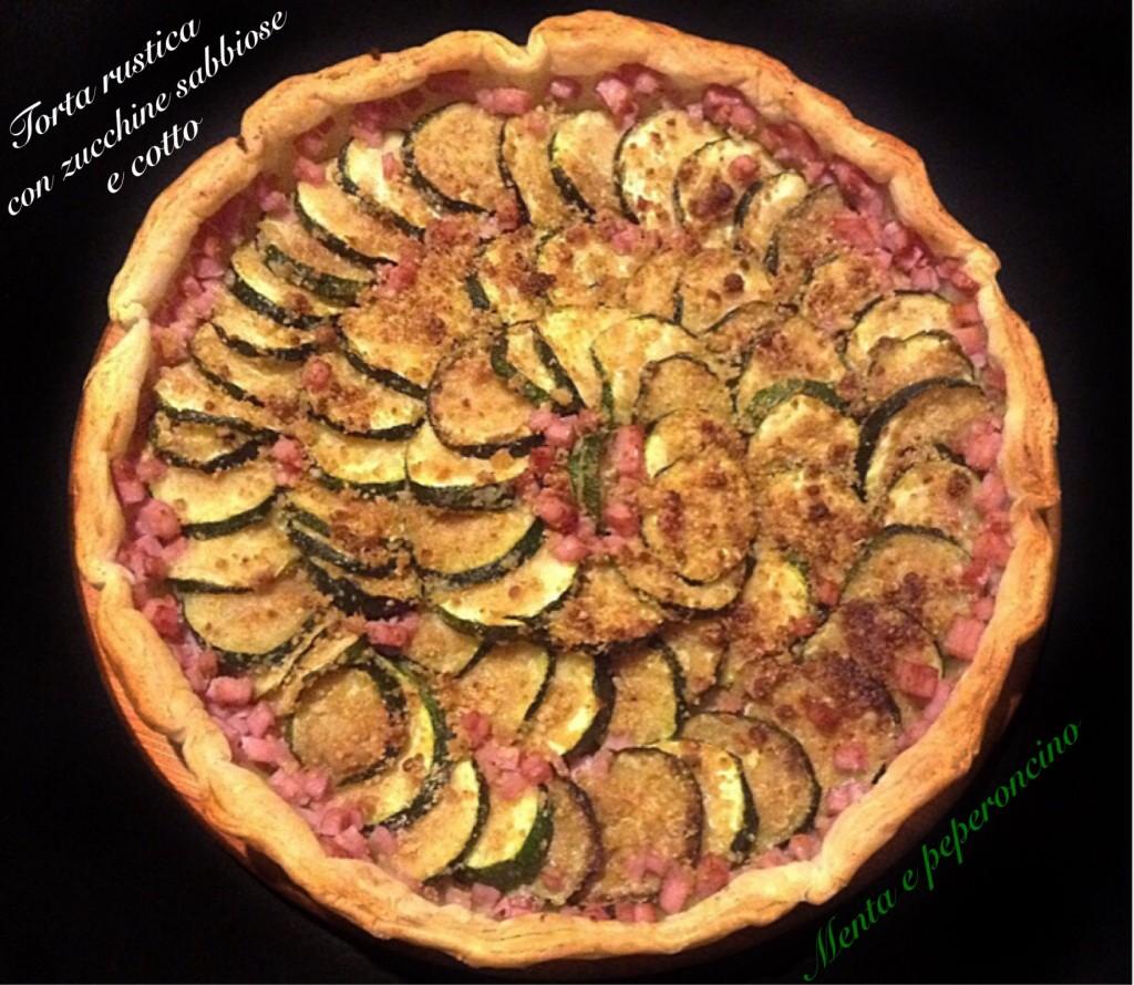 Torta rustica con zucchine sabbiose e cotto