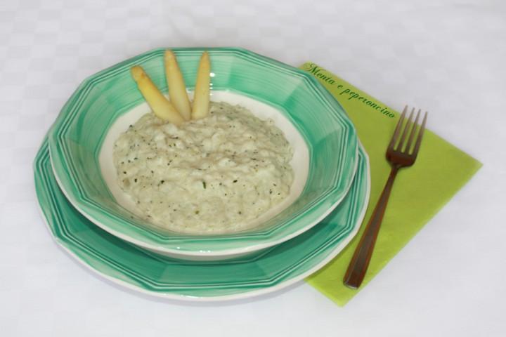 Risotto con asparagi bianchi e robiola