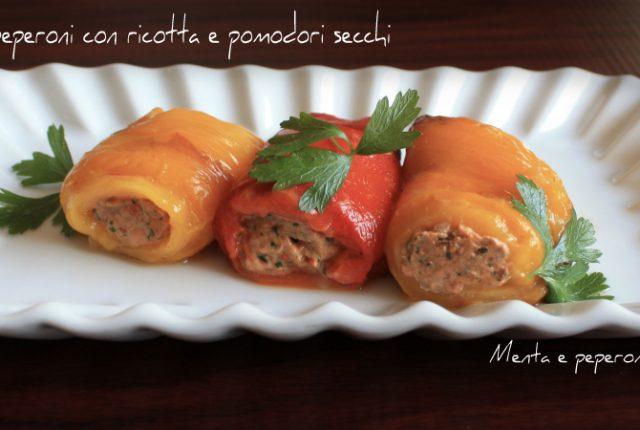 Involtini di peperoni con ricotta e pomodori secchi