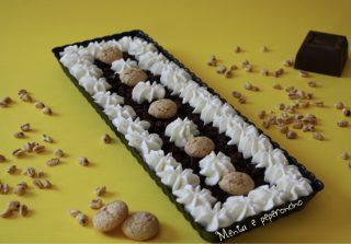 Torta di riso soffiato cioccolato amaretti e panna