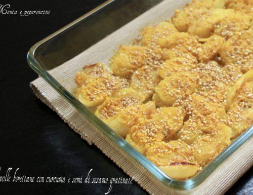 Cipolle borettane con curcuma e semi di sesamo gratinate