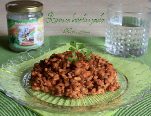 Risotto con lenticchie e pomodoro