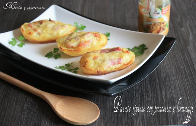 Patate ripiene con pancetta e formaggi