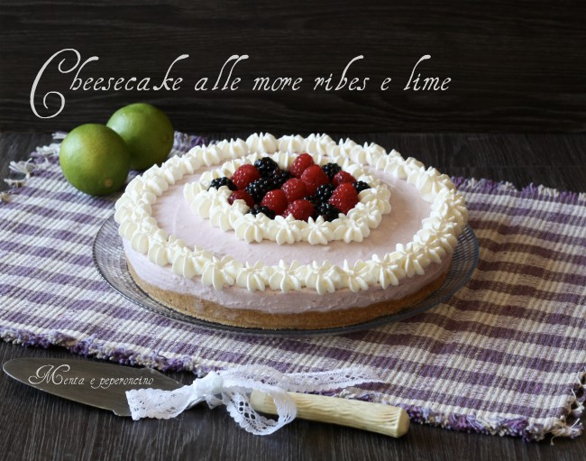 Cheesecake more ribes e lime