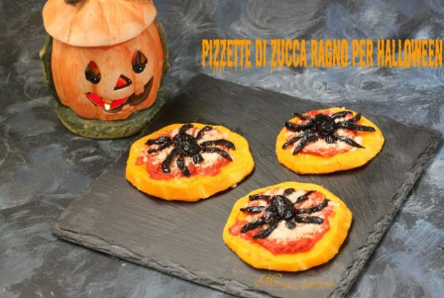 Pizzette di zucca ragno per Halloween
