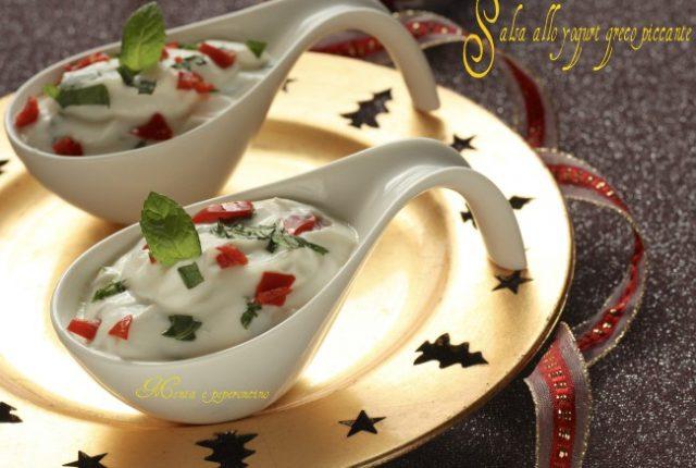 Salsa allo yogurt greco piccante