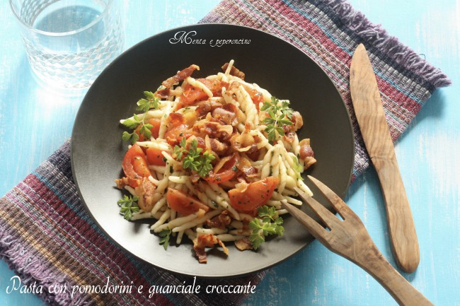 Pasta con pomodorini e guanciale croccante