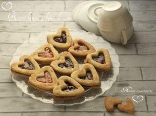 Biscotti farciti a forma di cuore