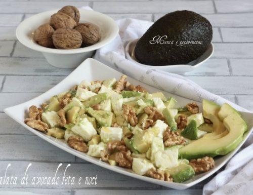 Insalata di avocado feta e noci