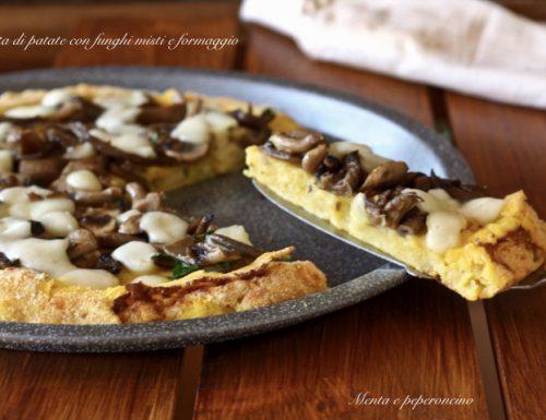 Torta di patate con funghi misti e formaggio