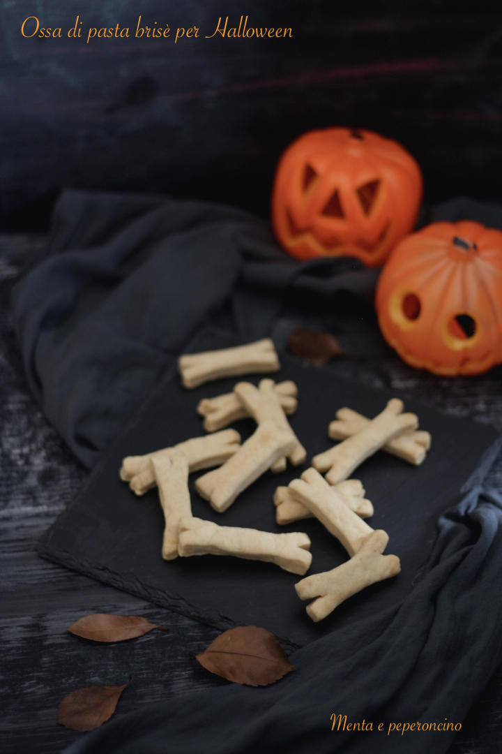 Ossa di pasta brisè per Halloween