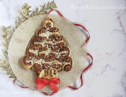 Albero di Natale in pasta brisè dolce