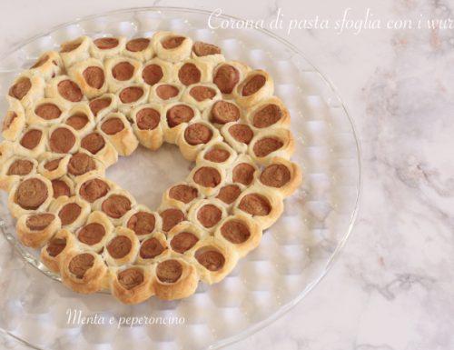 Corona di pasta sfoglia con i wurstel