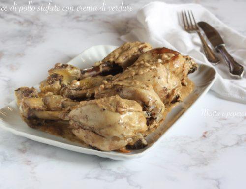 Cosce di pollo stufate con crema di verdure