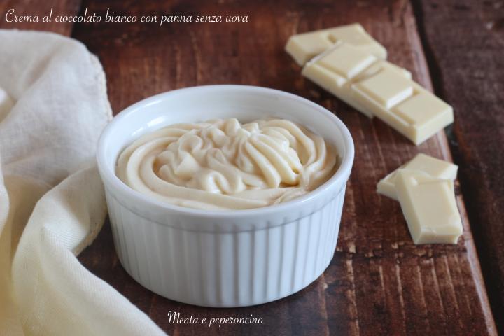 Crema al cioccolato bianco con panna senza uova