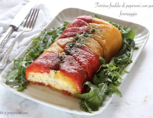 Terrina fredda di peperoni con patate e formaggio