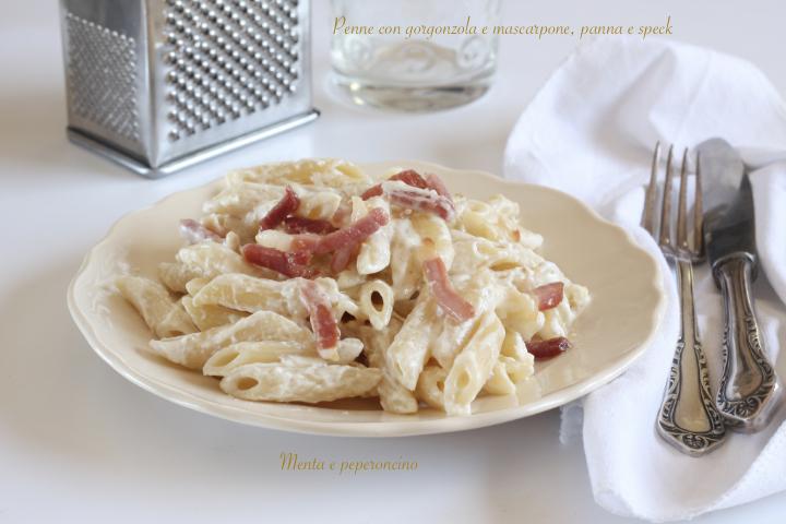 Penne con gorgonzola e mascarpone, panna e speck