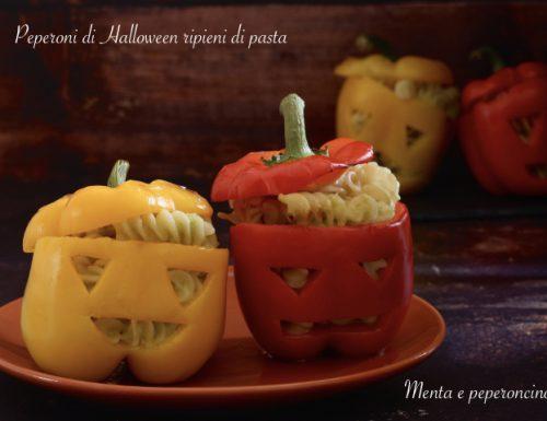 Peperoni di Halloween ripieni di pasta