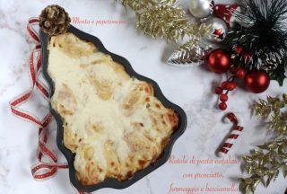 Rotolo di pasta natalizio con prosciutto, formaggio e besciamella