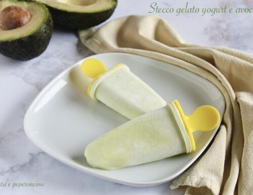 Stecco gelato yogurt e avocado
