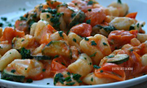 Gnocchetti di pasta con zucchine e gamberetti