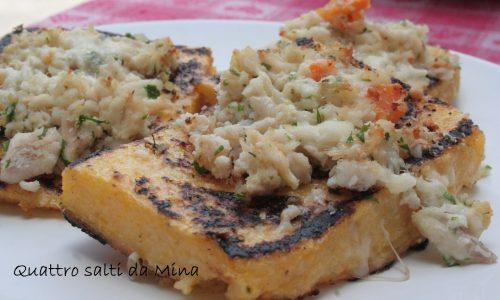 Crostini di polenta con trota mantecata
