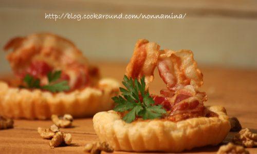 Tartellette salate formaggio e pancetta