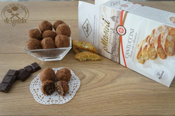 Tartufi di cioccolato con biscotti 6