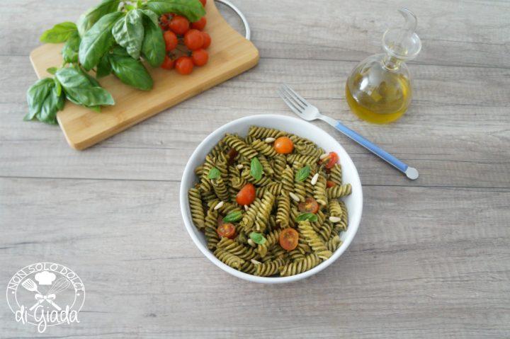 pasta fredda con pesto e pomodorini1