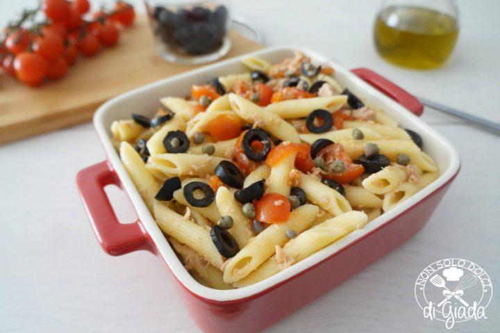 Pasta fredda con tonno olive e pomodori