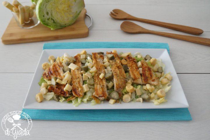 petti di pollo con insalata