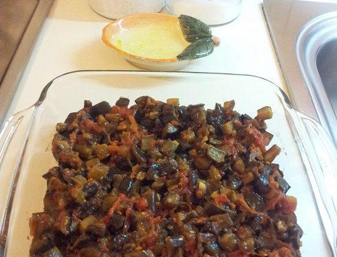 Melanzane a funghetto con pomodorino (non fritte)