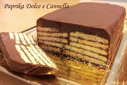 Ricetta torta con biscotti e cioccolato