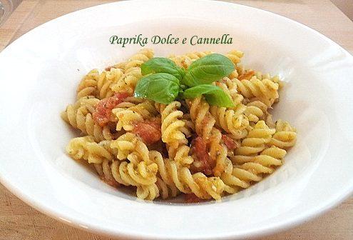 Fusilli con Pesto e Pomodorini