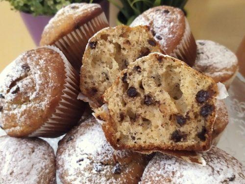 Muffin con gocce di cioccolato (sofficissimi)