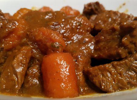Bocconcini di vitello in salsa di cipolle di Tropea