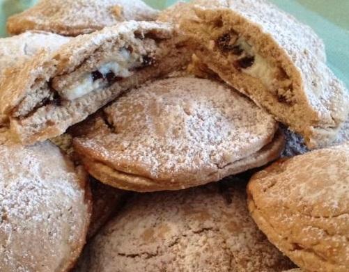 Biscotti di Pasta Frolla ripieni di Ricotta e Cioccolato