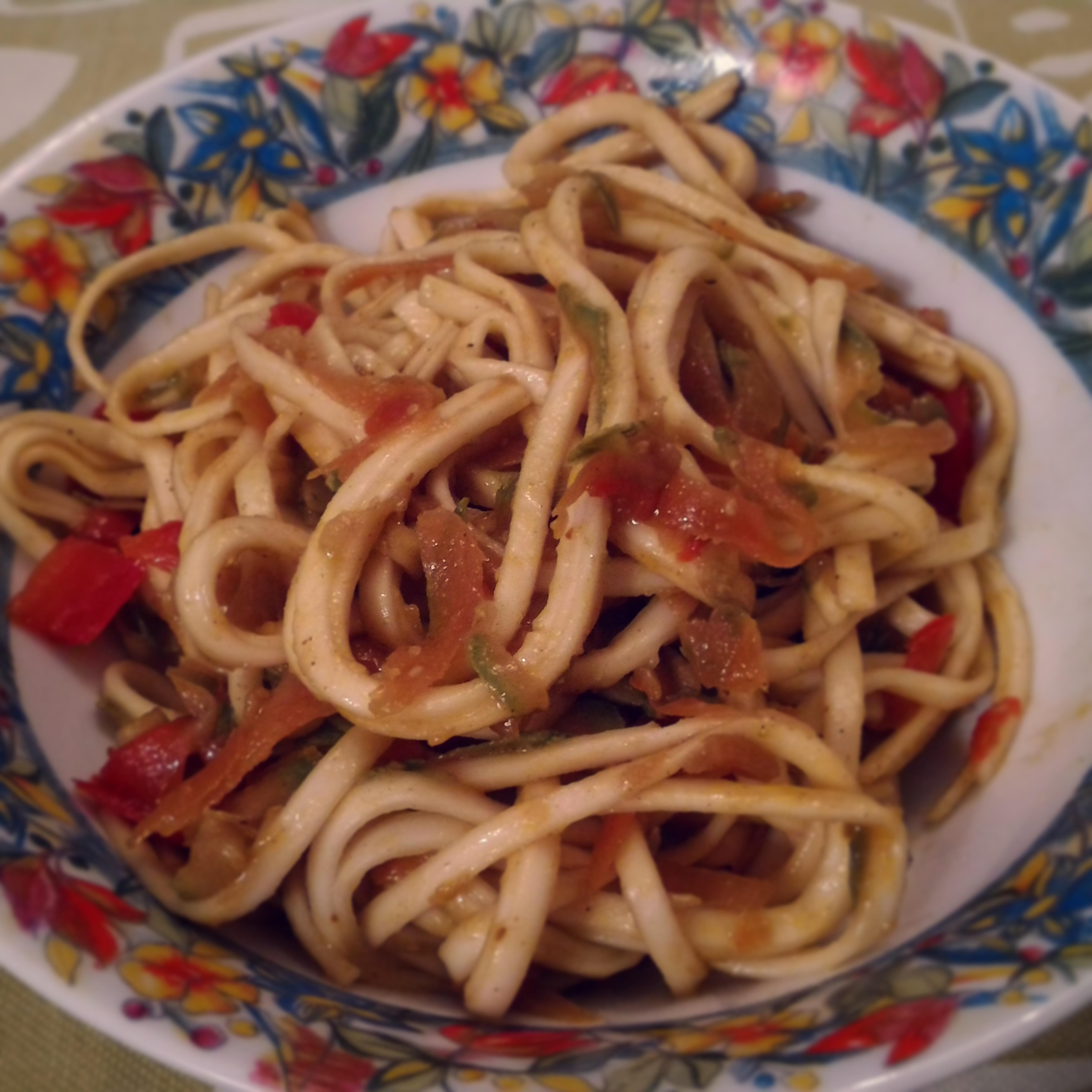 Noodles alle verdure alle prese con la cucina orientale for Cucinare noodles