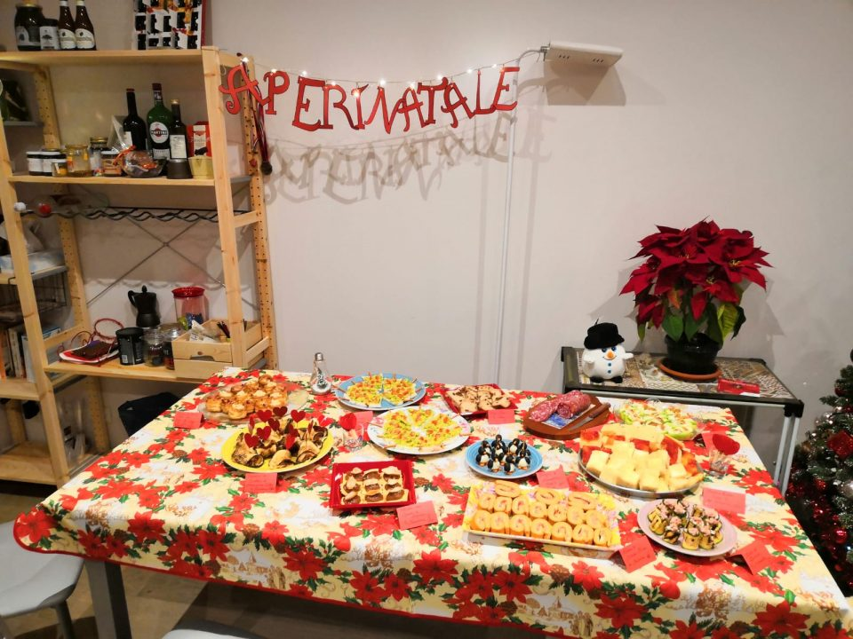 Buffet Natalizio Cookaround : Alberi di natale con salsa guacamole quella pasticciona di vero