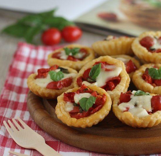 Sfogliatine capresi finger food perfetto!