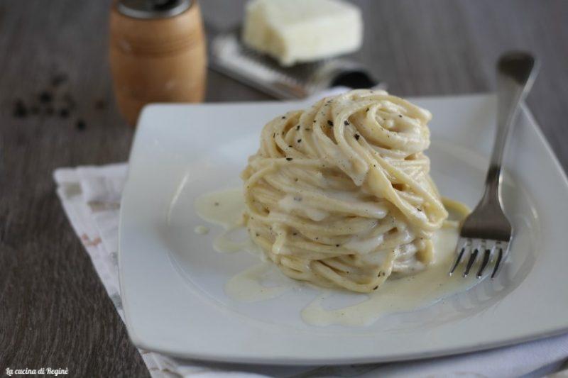 Spaghetti cacio, pepe e crema di patate.
