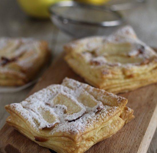 Sfogliatine crema e mele fragranti e deliziose