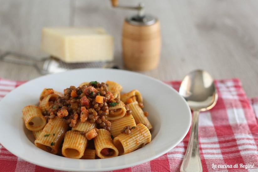 Ricetta Ragu Lenticchie.Pasta Al Ragu Di Lenticchie Piatto Unico Saporito La Cucina Di Regine
